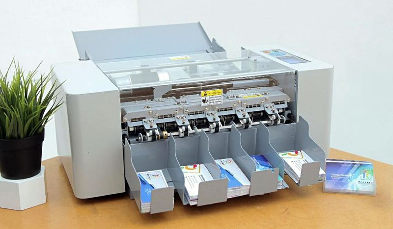 Mesin Cutting Kartu Nama RBC-01